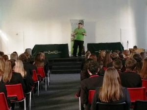 Zoo2U-at-secondary-school-assembly